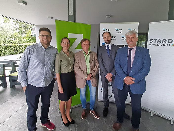 Zelení na tiskové konferenci při příležitosti podpisu koaliční smlouvy pro krajské volby 2020