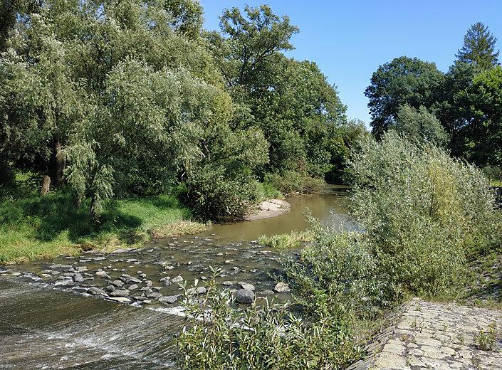 Jez na řece Odře v Bartošovicích